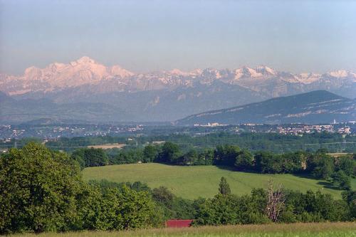 اراضي للبيع في ديفون سويسرا